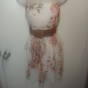 Rue 21 floral white dress size small